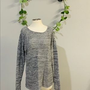 Old Navy gray knitted sweater size XL
